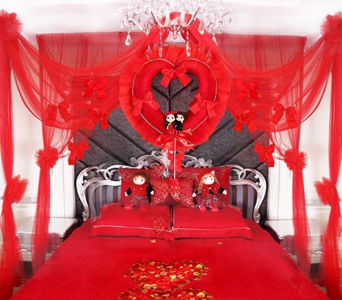 Bộ màn khung cưới Hàn Quốc cao cấp màu đỏ cuốn hút ngay từ ánh nhìn đầu tiên