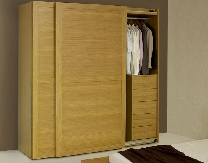 Thiết kế tủ quần áo kiểu cửa lùa giúp tiết kiệm không gian (Nhà Xinh Việt)