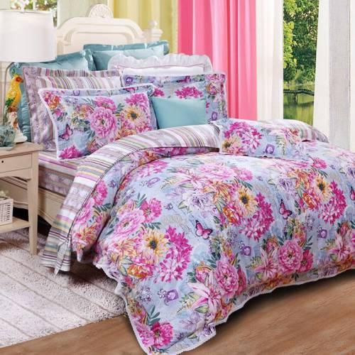 Bộ chăn ga gối họa tiết hoa hồng rực rỡ dành cho quý cô