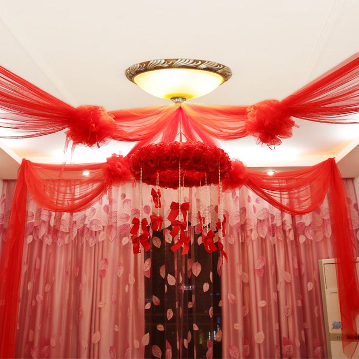 Cách trang trí phòng cưới bằng mẫu màn có dây nơ