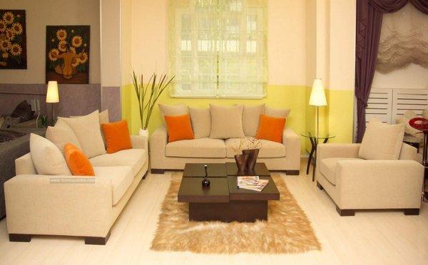 Ghế sofa và bàn trà không được tách rồi nhau