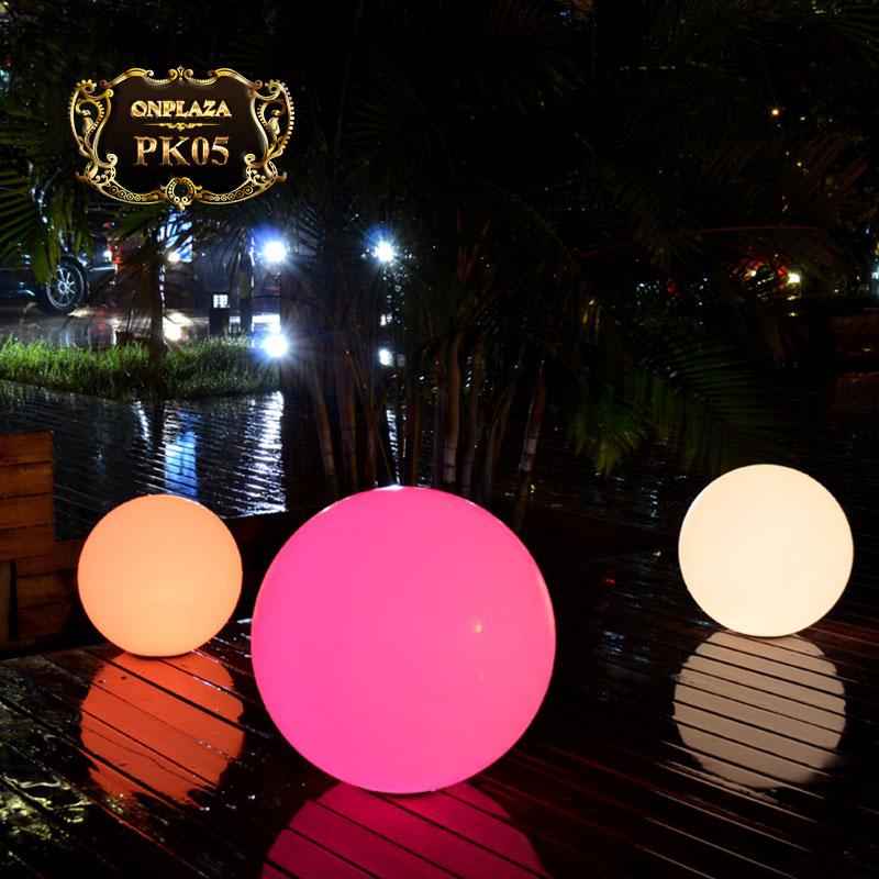 Đèn LED năng lượng mặt trời sân vườn cao cấp PK05
