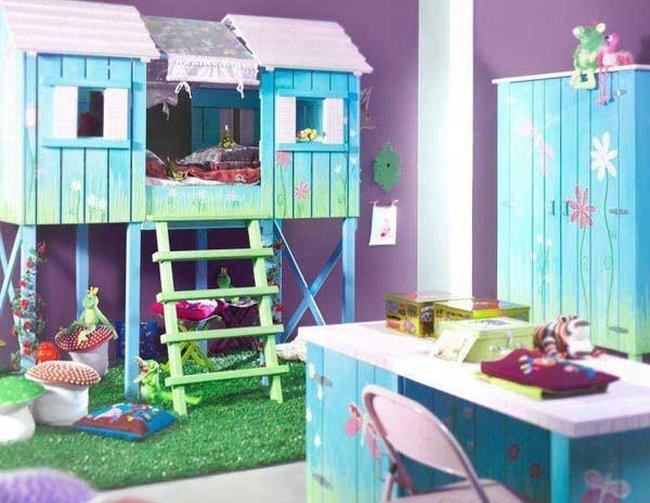Giường cho bé trai hình ngôi nhà gần gũi với thiên nhiên