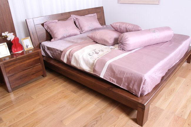 Mẫu giường ngủ gỗ óc chó đẹp độ bền cao