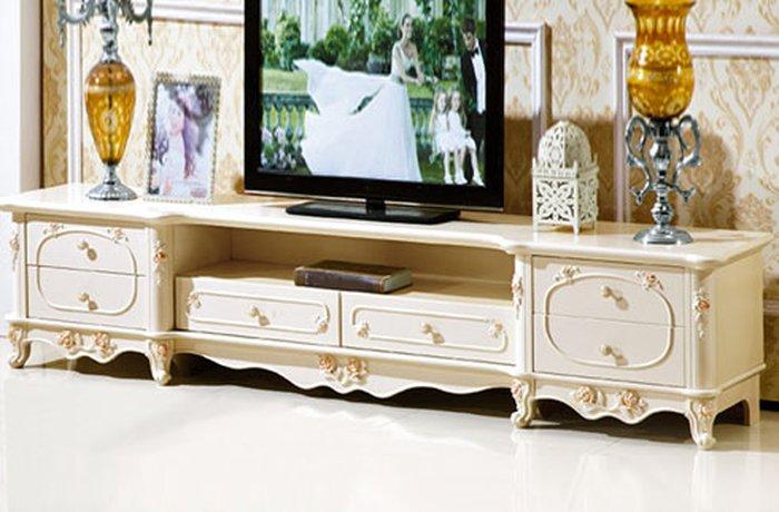 Kệ tivi thiết kế đơn giản hợp với mọi không gian phòng khách