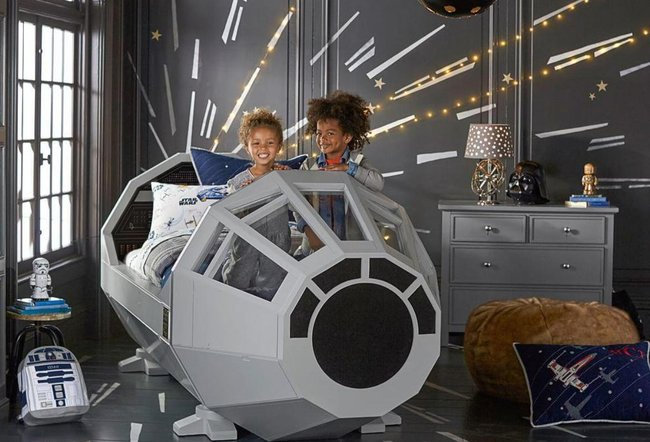 giường ngủ cho bé hình tàu vũ trụ