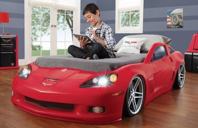 Giường ngủ cho bé trai hình xe hơi