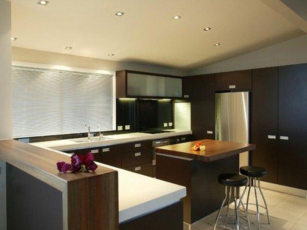 Một thiết kế tủ bếp hiện đại với kiến trúc mở tiện nghi với tone màu trung tính