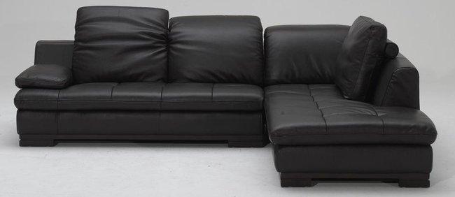 Chia sẻ cách chọn lựa và bài trí ghế sofa da phòng khách đúng chuẩn