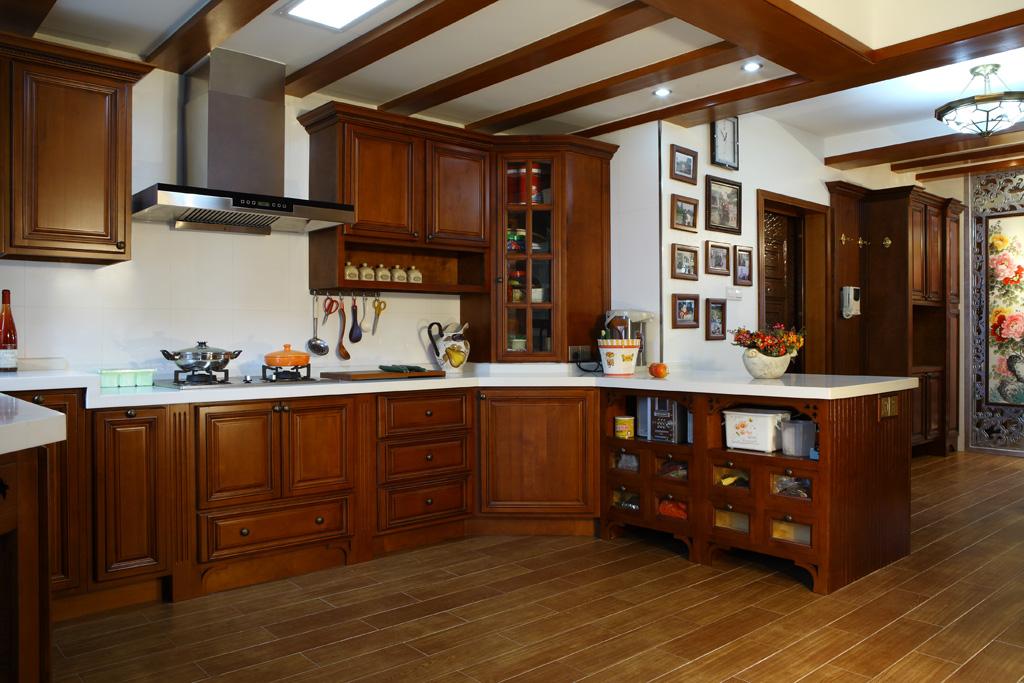 Tủ bếp gỗ căm xe đẹp